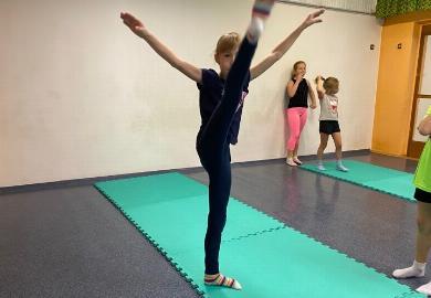 Obrazek galerii Co słychać na akrobatyce