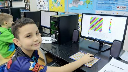 Obrazek galerii Godzina Kodowania na kole komputerowym i medialnym - Tydzień Edukacji Informatycznej w OPP